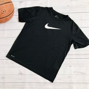 🆕 Black Nike dri-fit Shirt